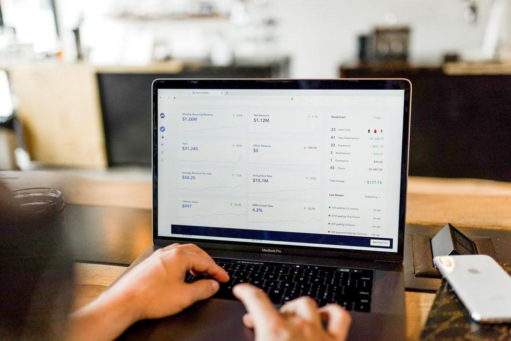 Czy warto korzystać z internetowych kalkulatorów kredytów?